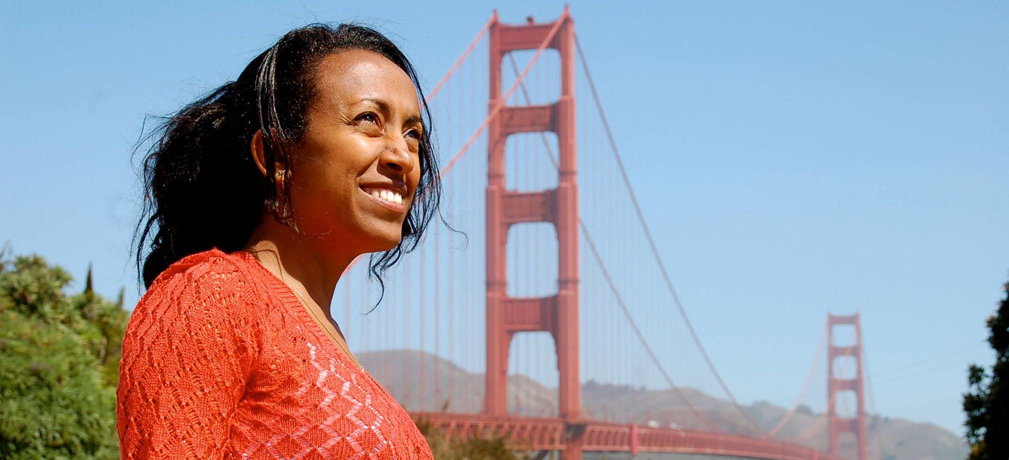 Beahrs ELP student in front of San Francisco's Golden Gate Bridge