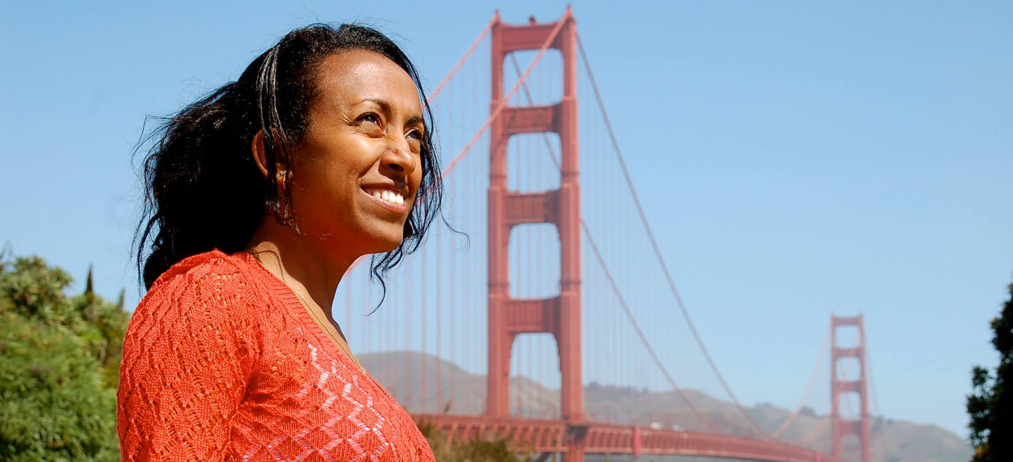 Beahrs ELP student in front of San Francisco's Golden Gate Bridge
